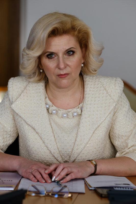 Олена Биковська